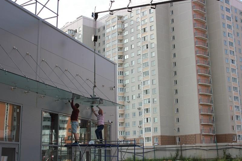 Электрическая вакуумная присоска для стекла